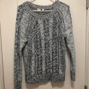 Gap cable knit sweater. Navy and white